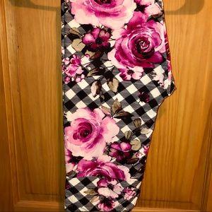NWT TC LLR Pink Roses & B&W Plaid Printed Leggings